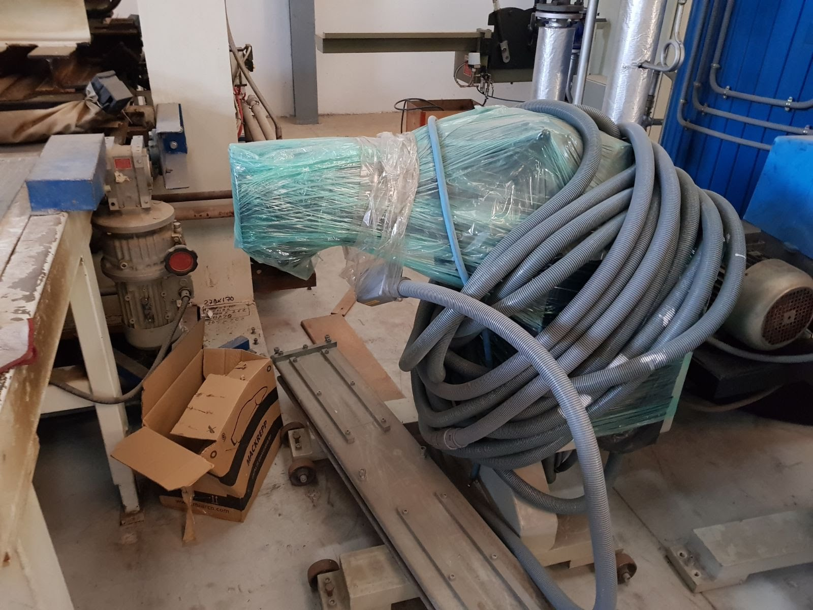 ByM winder for thick edgebanding rolls