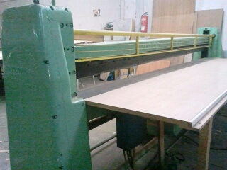 COLOMBO SWUNG VENEER PACKS CUTTING MACHINE