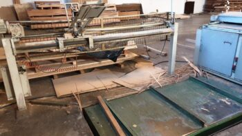 Lift table and board pusher